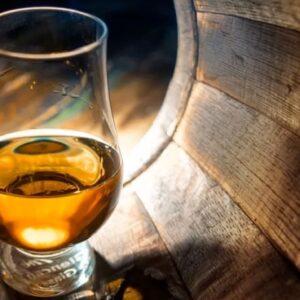 Organiser une dégustation d'alcool pour voyager sans bouger de chez soi